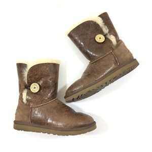 Ugg Baily Cracked Leather Medium Brown Style 1872